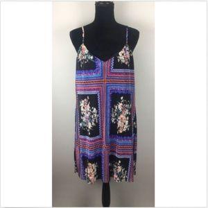 Socialite V-neck Print Pleated Dress Size S (H265)